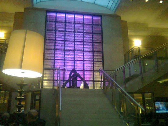 Hilton Berlin:                   lobby
