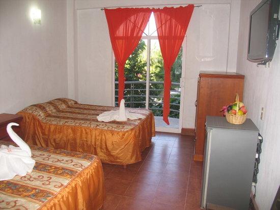Hotel y Suites Bugambilias : Habitacion Estandar