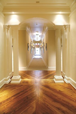 The James Madison Inn: Guest Room Hallway