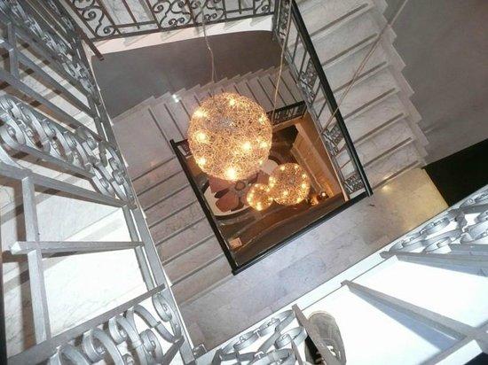Hotel San Anselmo: Stairwell