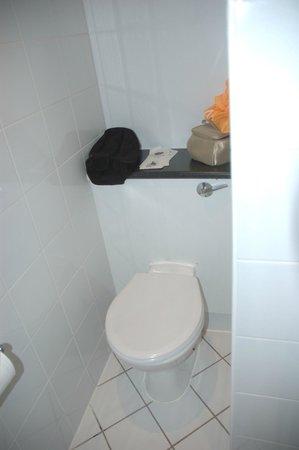 Holiday Inn London - Kensington:                   toilette