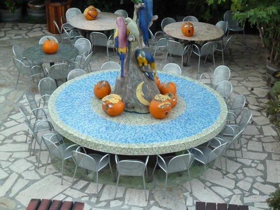 Garden Deli Cafe:                   Nice area to eat food, halloween wasn't far away!