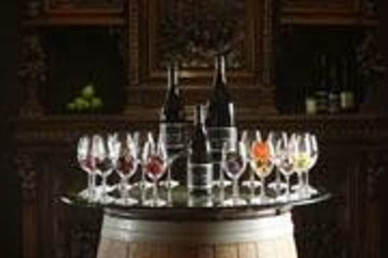 REX HILL Winery & Vineyards: Essence Table