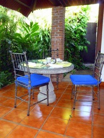 Hotel Casa Naranja:                   Dining/ breakfast