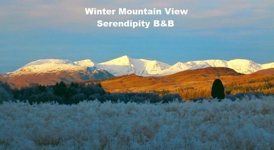 Serendipity Bed and Breakfast: Winter Mountain View at Serendipity B&B Glenmoriston