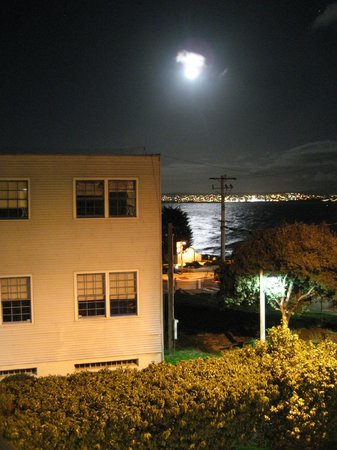 Cannery Row Inn : View from hotel hallway