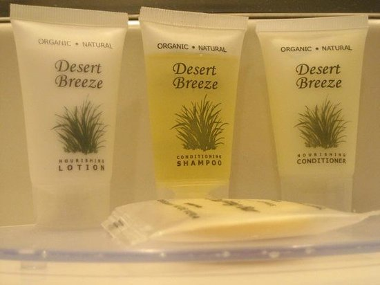 Cannery Row Inn: bath amenities