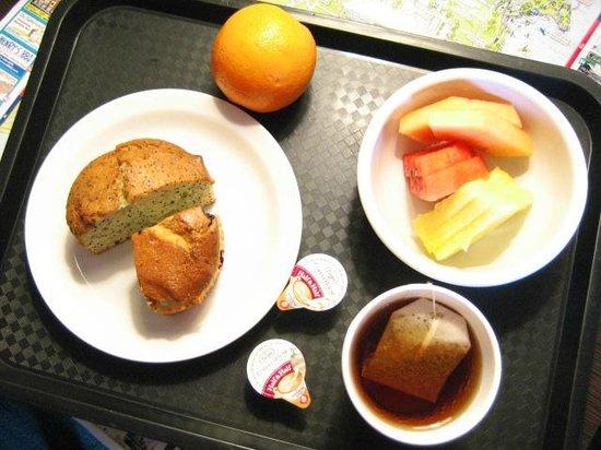 Cannery Row Inn: Breakfast