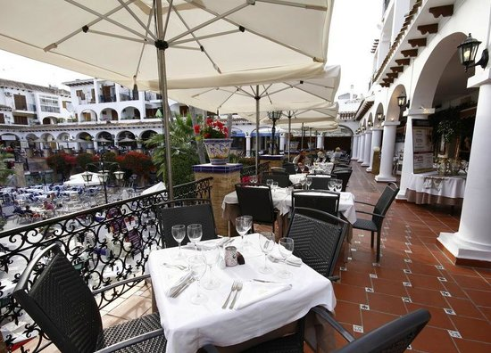 Playa Flamenca, Spain:                   Villamartin Plaza, great restaurants.