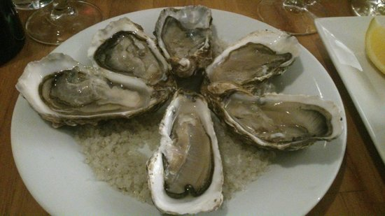Les Marines :                   Very fresh and juicy oysters