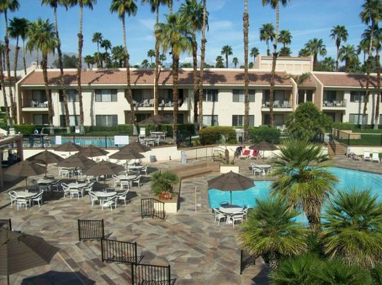Welk Resorts Palm Springs: View of our Pool