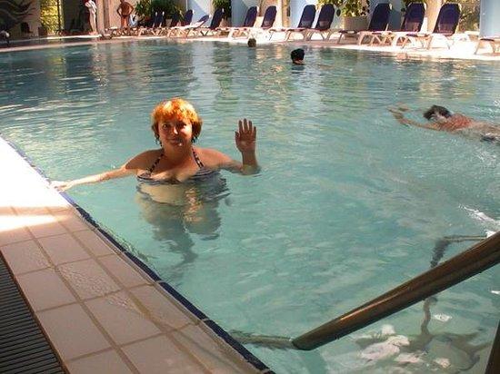 Danubius Hotel Helia:                   В бассейне