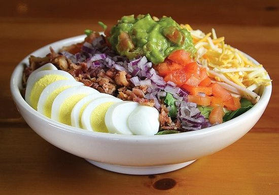 Whiskey Creek Wood Fire Grill: Cobb Salad - lunch menu