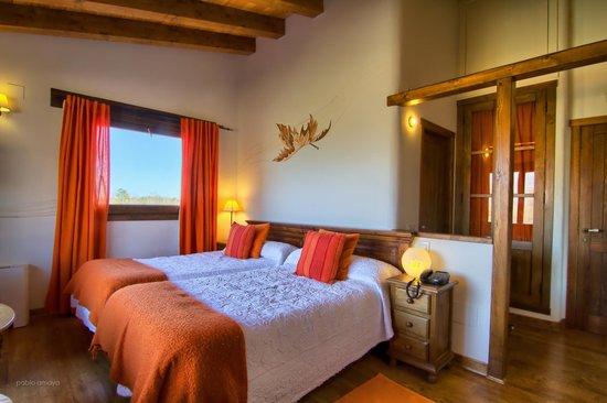 Hotel Rural Llano Tineo: Habitación otoño