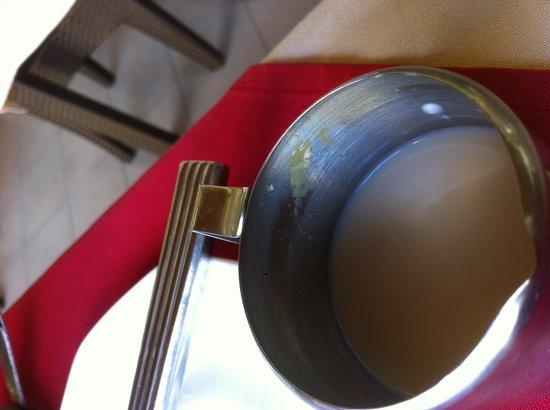 Tarisa Resort & Spa:                                                       pot de lait avec lait caillé depuis plusiu