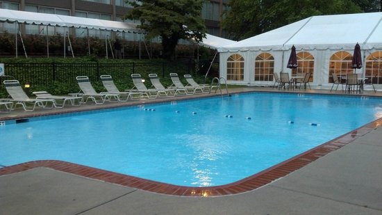 Clarion Hotel & Conference Center at Exton: Wyndham Garden Exton outdoor pool