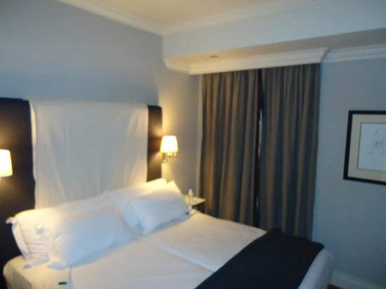 Cape Royale Luxury Hotel:                   2nd bedroom
