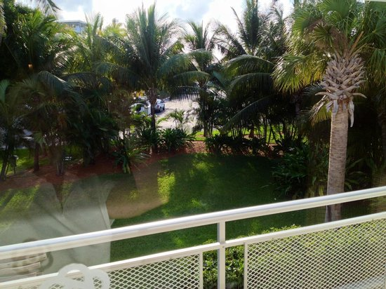 Postcard Inn Beach Resort & Marina at Holiday Isle:                   Garde View room 342,... Can see ocean to Left