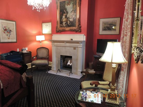 Foley House Inn:                   The fire place in room