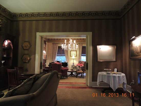 Foley House Inn:                   Dining and sitting room