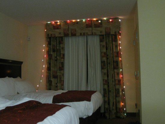 Comfort Suites Salem: room