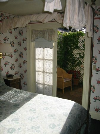 Gosby House Inn - A Four Sisters Inn:                   The small, enclosed garden off our bedroom
