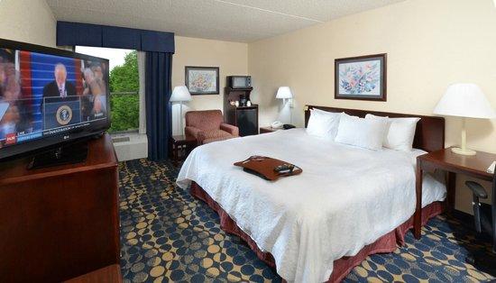 Hampton Inn High Point: Guest Room