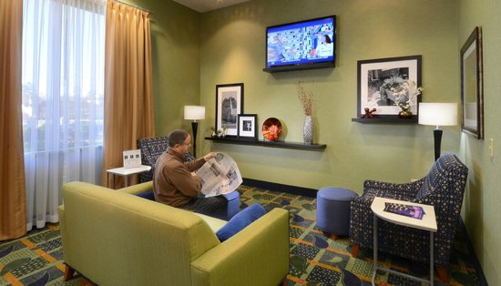 Hampton Inn High Point: Lobby