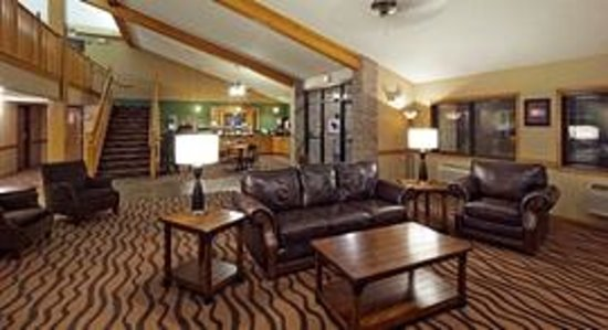 Americinn Hotel Suites Hartford