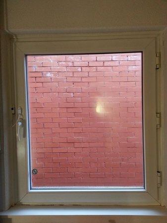 Ibis Glasgow City Centre: Window
