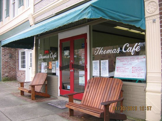 Thomas Cafe:                   Restaurant exterior