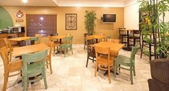 AmericInn Hotel & Suites Johnston: AmericInn Johnston - Breakfast Area