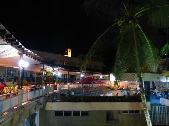Hotel Sol Barra:                                     la piscina esta disponible hasta las 11 de la noche el bar l