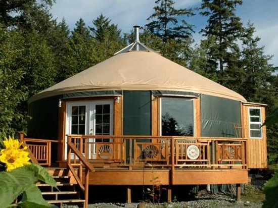 ‪‪Homer Roundhouse‬: The Homer Roundhouse - The only yurt in the world with bay window‬
