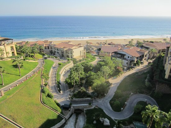 Pueblo Bonito Sunset Beach Golf & Spa Resort:                   Sprawling property