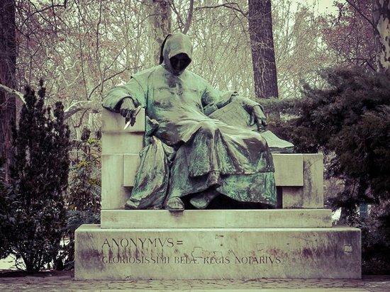 Pomnik Anonymusa (Anonymus Szobor)