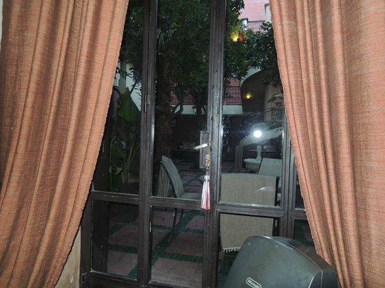 Riad Dar Nejma :                   depuis la salle a manger