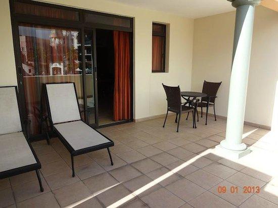 Island Club Hotel & Apartments:                   The balcony