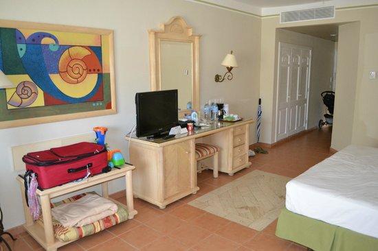 Grand Bahia Principe El Portillo:                   Our room.