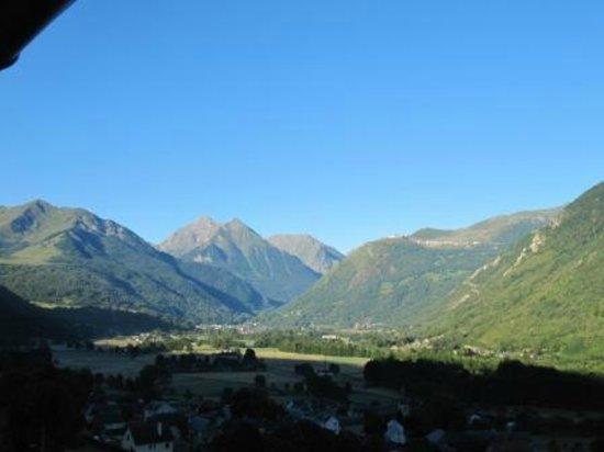 Les Terrasses de Saubissan :                   Vue sur St Lary Soulan et les Pyrenees