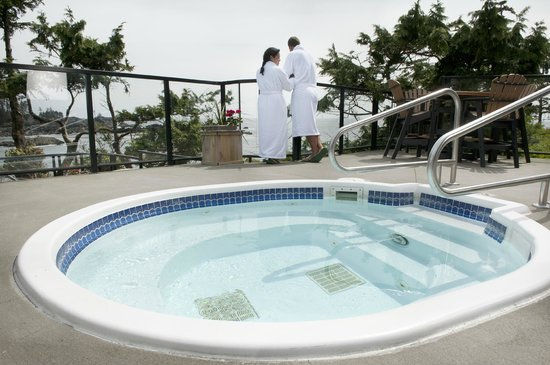 Black Rock Oceanfront Resort: Enjoy our outdoor hot tubs