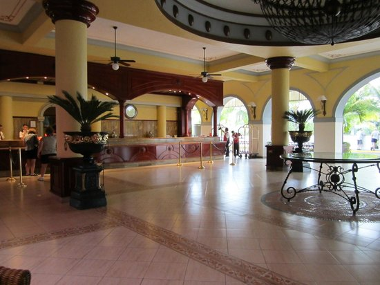 ClubHotel RIU Jalisco: Hall