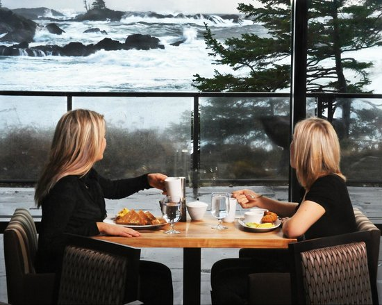 Black Rock Oceanfront Resort: Fetch Restaurant ocean views