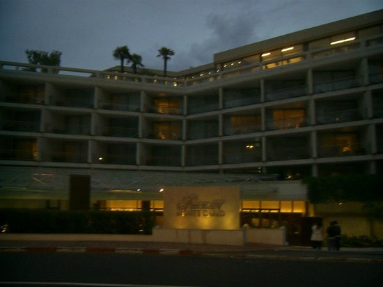 แฟร์มอนท์ มอนเตคาร์โล: l'ingresso dell'hotel