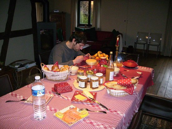 L'accroche Coeur - bed and breakfast: breakfast