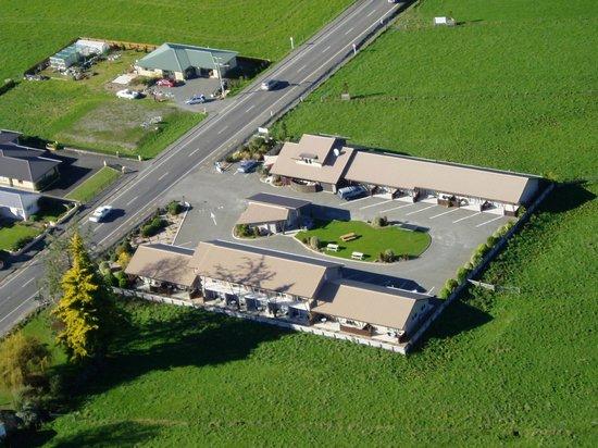 Mohua Motels: Aerial View