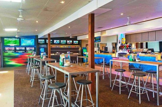 هوي موي باكباكرز - هوستل: Sports Bar