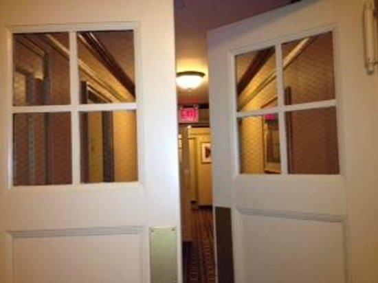Hotel Newton:                   Hallway