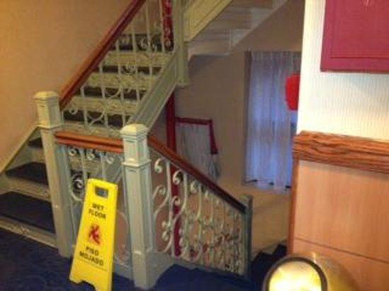 Hotel Newton:                   Stairway