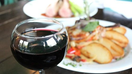 Molly Maguires Irish Pub and Restaurant:                   wine with dinner